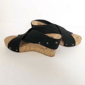 Xoxo Wedges size 6.5